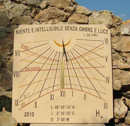 cadran-solaire-vertical-verriere-le-buisson-91-pierre-cadrans-solaires-vente-achat