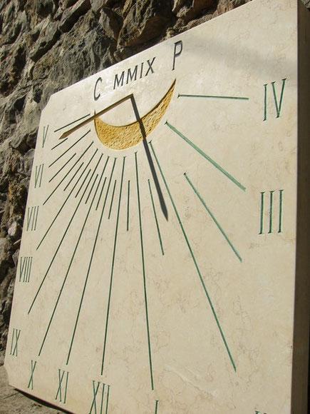 cadran-solaire-mural-thoronet-var-83-pierre-cadrans-solaires-vente-achat