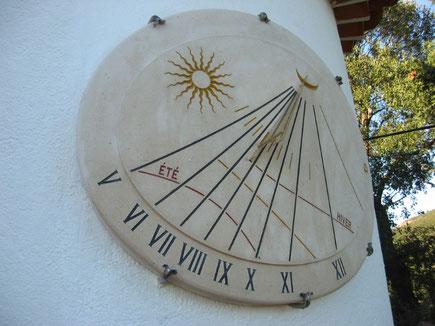 cadran-solaire-cylindrique-tour-pierre-var-grimaud-beauvallon-cadrans-solaires-vente-achat