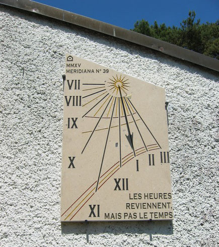 sundial-port-ripaille-thonon-74-dial-sundials-vertical-stone-engraved-facade-sale-purchase