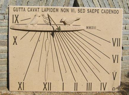 cadran-solaire-pierre-flayosc-var-83-sculpture-abreuvoir-cadrans-solaires-vente-achat