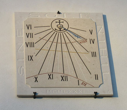 sundial-dial-sundials-beauvoisin-facade-vertical-stone-engraved-sale-purchase