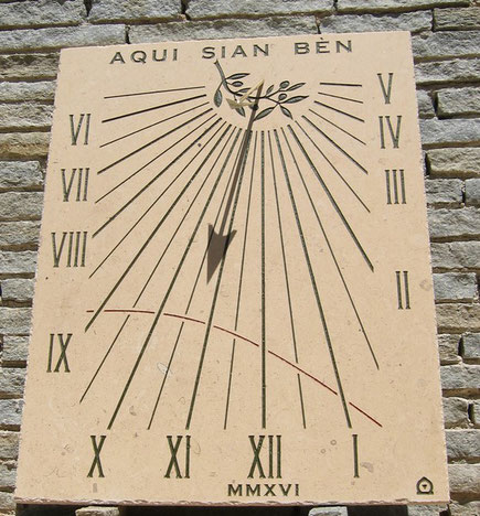 sundial-dial-vence-sundials-vertical-06-stone-engraved-facade-sale-purchase