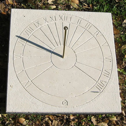 sundial-horizontal-stone-nemoursdial-sundials-engraved-sale-purchase