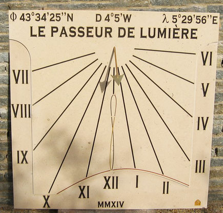 sundial-venelles-dial-sundials-13-stone-vertical-sale-facade-purchase-engraved
