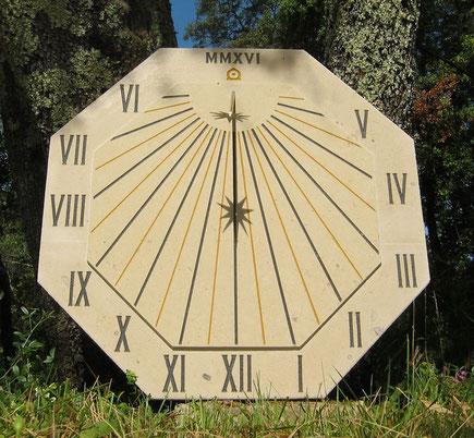 cadran-solaire-pierre-flayosc-var-83-cadrans-solaires-vente-achat