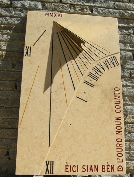 cadran-solaire-vertical-tignet-06-pierre-cadrans-solaires-vente-achat