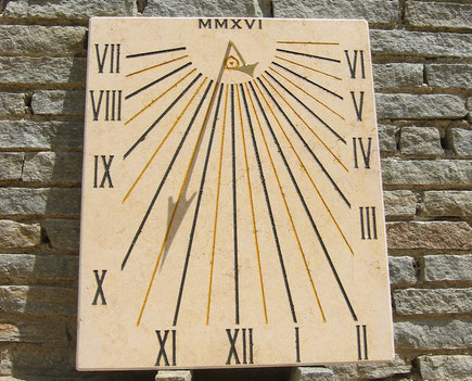 sundial-jouques-dial-sundials-vertical-stone-engraved-13-bouches-rhone-facade-sale-purchase
