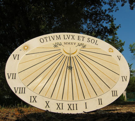 sundia-dial-sundials-vertical-saint-peray-stone-engraved-facade-sale-purchase