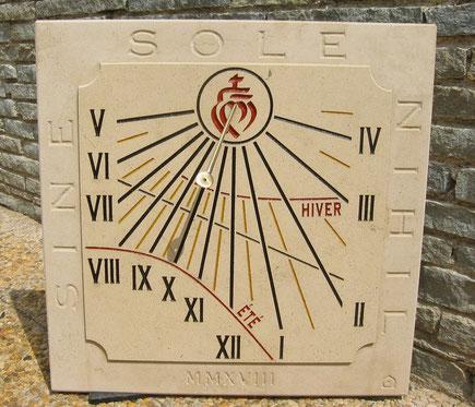 cadran-solaire-vendée-pierre-talmont-saint-hilaire-croix-vendeenne