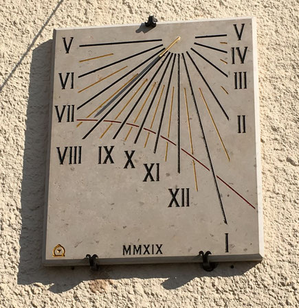 sundial-alpes-maritimes-cagnes-facade-stone-dial-sundials-vertical-engraved-sale-purchase