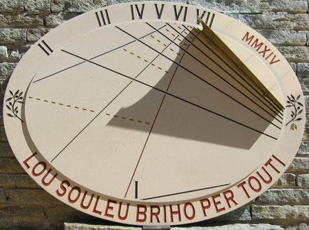 cadran-solaire-six-fours-83-var-pierre-vertical-cadrans-solaires-vente-achat
