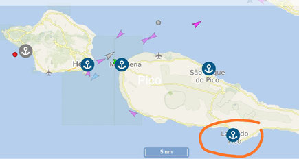 Inseln Faial und Pico - unser Schiff vor Lajes