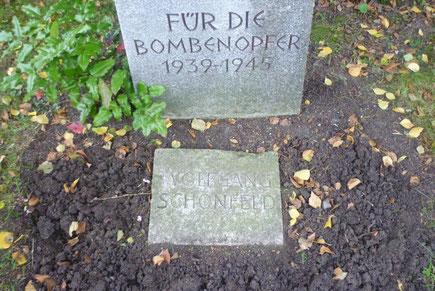 Grabstein auf dem Wahlershäuser Friedhof