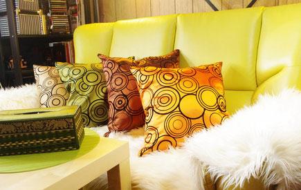 タイシルク(絹)クッションカバー 45cm×45cmと北欧インテリア IKEA(イケア) 製品グッズとの部屋のインテリア イメージ画像
