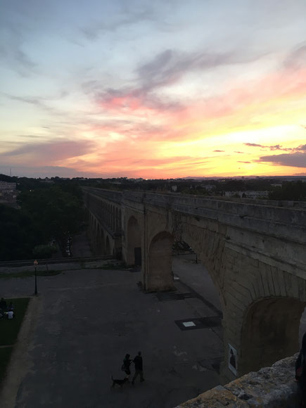 Montpellier tramonto su acquedotto romano provenza Francia