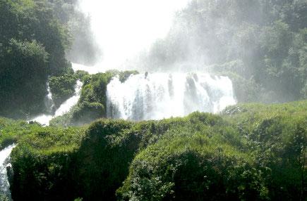 cascata delle marmore diga terni umbria parco fluviale del Nera  Valnerina Italia