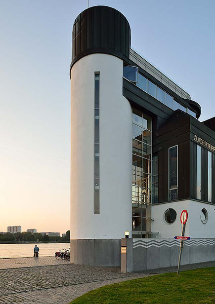 Zuiderterras, Ausflugslokal am südlichen Ostufer von Antwerpen. PC-E Nikkor 24 mm, 1:3,5 D ED, NIKON D4, ISO 200, 1/13 Sek., Blende 16. Foto: Dr. Klaus Schoerner