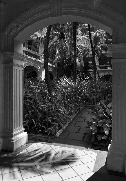 Raffles Hotel, Singapore. Nikon D200. Nikkor 16-85 mm. Foto: Dr. Klaus Schoerner