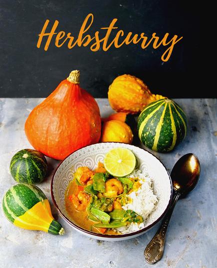 Curry mit Garnelen, Hokaido-Kürbis, Blattspinat und Zuckerschoten