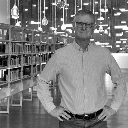 Urs Meier berät Organisationen und deren Management und schöpft aus seiner profunden Erfahrung als langjähriger Geschäftsführer.