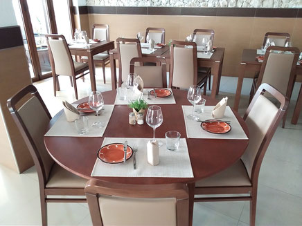 Restaurante Taberna Portugesa in Carvoeiro,Lagoa,Algarve,Portugal perfekt zum buchen für Familien Essen.