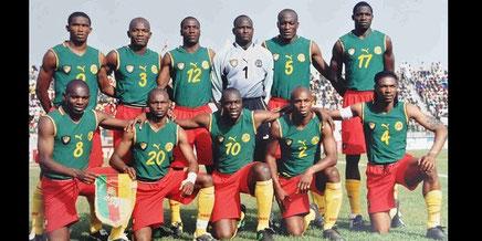 Les lions ont arboré un maillot sans manches. Surprise, la FIFA n'a rien pu y faire!