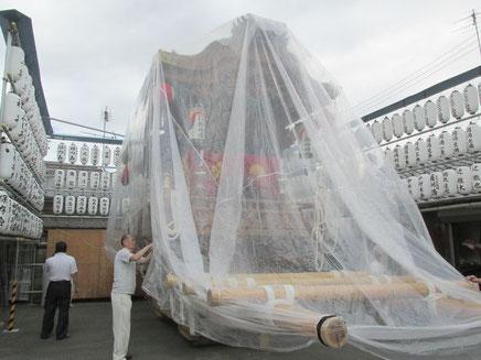 雨対策の超大型ポリ袋
