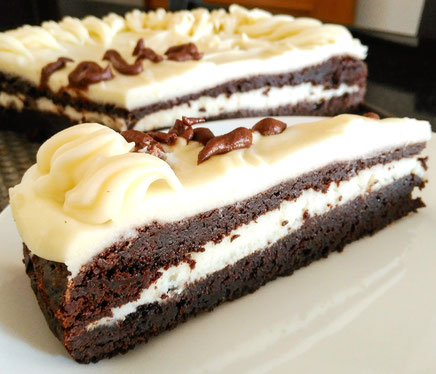 High fat chocolate brownie and cream cheese cake that teaches the calories in common cakes