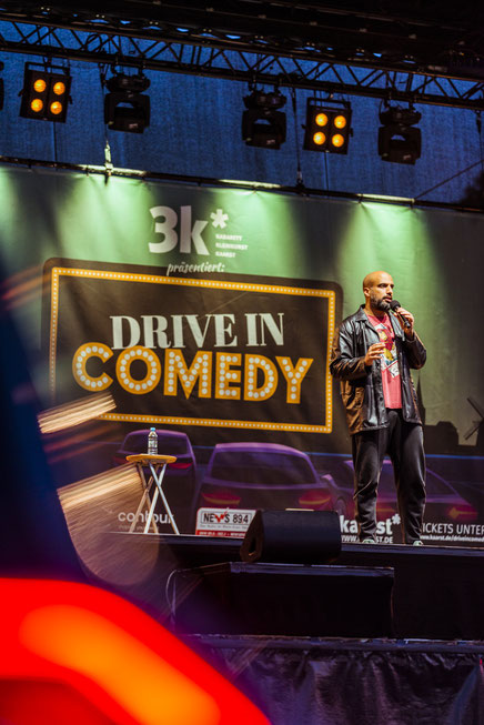 Drive in Comedy, Drive in comedy Kaarst, Autokino, Autokino kaarst, Kabarett, Kabarett Kaarst, Kaarst, Stadtfest, Kaarst, Veranstaltung, open air, Veranstaltungsfotografie, Festival, Festivalfotografie, Konzertfotografie, Konzert, Auftritt,