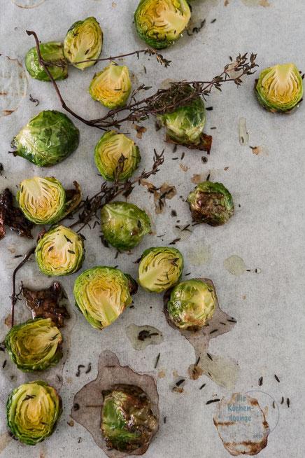 Herbstlicher Winzerkuchen mit Rosenkohl und Kürbis