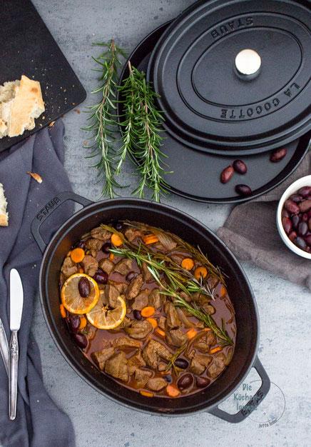 Ragout mit Oliven und Karotten