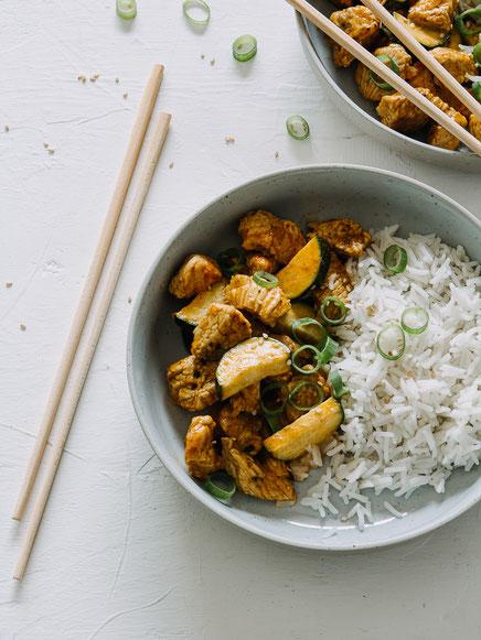 Indisches Chicken Korma mit Zucchini und Reis