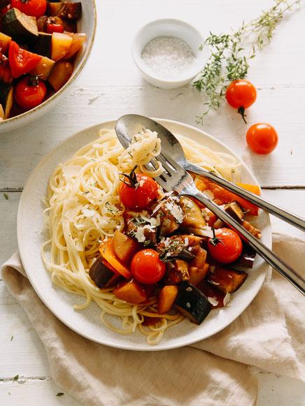 Pasta con verdura mista - vegetarische Sauce mit viel frischem Gartengemüse