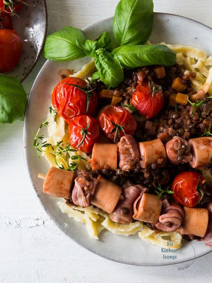 Linsen mit Spätzle und Saitenwürstle auf italienische Art