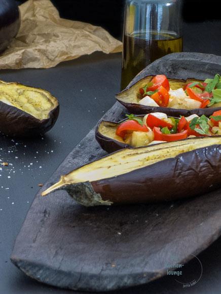 Gegrillte-Aubergine-mit-sonnengereiften-Tomaten-und Mozzarella
