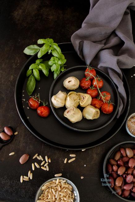 Geschnetzelte Rinderhüfte mit Oliven, Artischocken und Tomaten