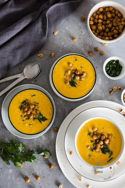 Kürbissuppe mit Kichererbsen und Orangensaft