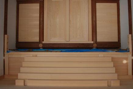 扉、階段の完成