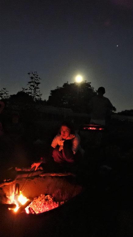 農作業のあとの焚き火・畑でキャンプ@さとやま農学校・すどう農園