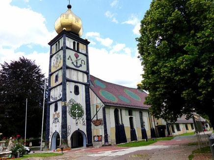 Hundertwasser-Kirche St. Barbara in Bärnbach / Steiermark