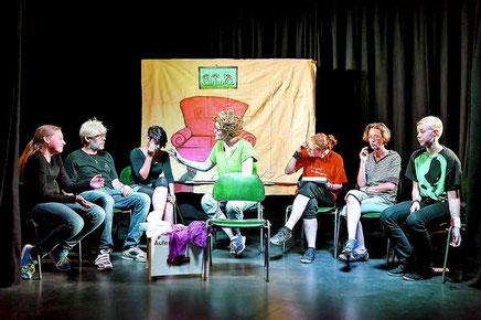Habba Theatergruppe Parodie Psychiatrie RNZ Artikel Einfach der Blutspur folgen 2014 Borderline Station Therapie Persönlichkeitsstörung Visite Gruppentherapie