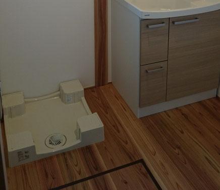 さいたま市木の家標準仕様掃除しやすい洗濯防水パン
