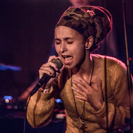 Anayah roots