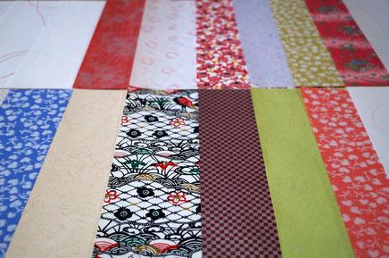 各種和紙を使ってポチ袋や各種サイズの封筒を作製できます