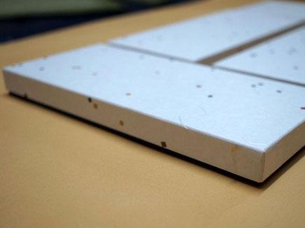 七夕紙と色鳥の子紙を使ったツートンカラーの貼り箱を別注作製