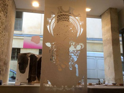 パリデザインウィーク2015には大判和紙をグラフィックデザインを切り抜いた作品も出展しました