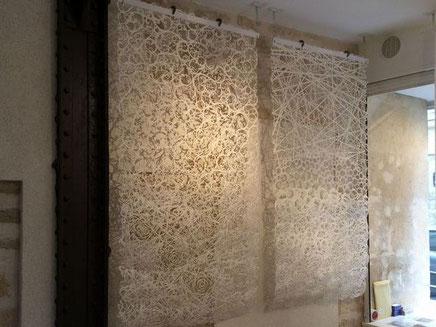 パリデザインウィーク2015には原料の素材感と光の透け感が特徴の手漉き大判和紙を出展しました