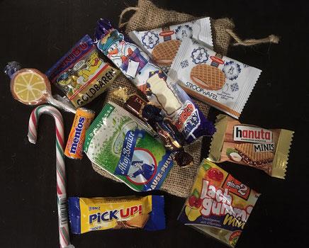 1 Jutesäckchen voller Süßigkeiten