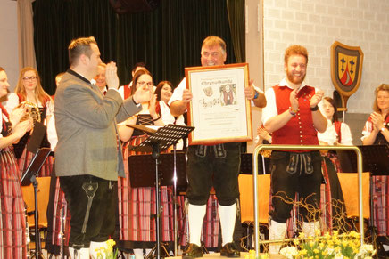 Jogi Scherer bei der Ernennung zum Ehrendirigenten